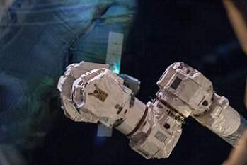 Image from CRS-2 Dragon collection of hi res images in L2
