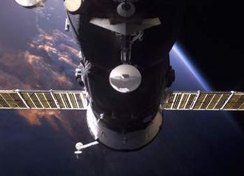 Soyuz at the ISS, via L2
