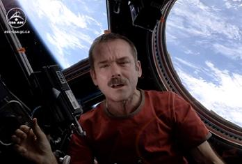 Command Hadfield singing Space Oddity