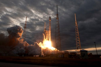 SpaceX Falcon 9 successfully launches CRS-3 Dragon ...