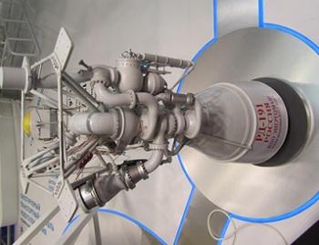spacex advances drive for mars rocket via raptor power