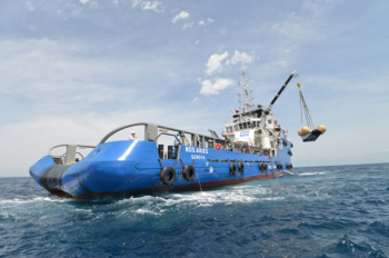 2014-07-03 19_27_48-Space in Images - 2014 - 06 - IXV hoisted aboard