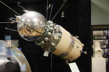 2014-07-18 20_06_50-Vostok spacecraft - Google Search