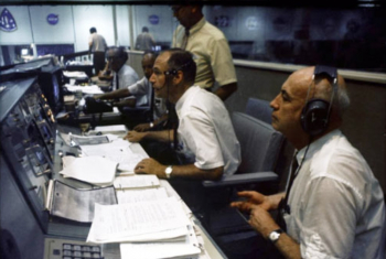 2014-07-20 12_29_58-Apollo 11 landing Mission Control - Google Search