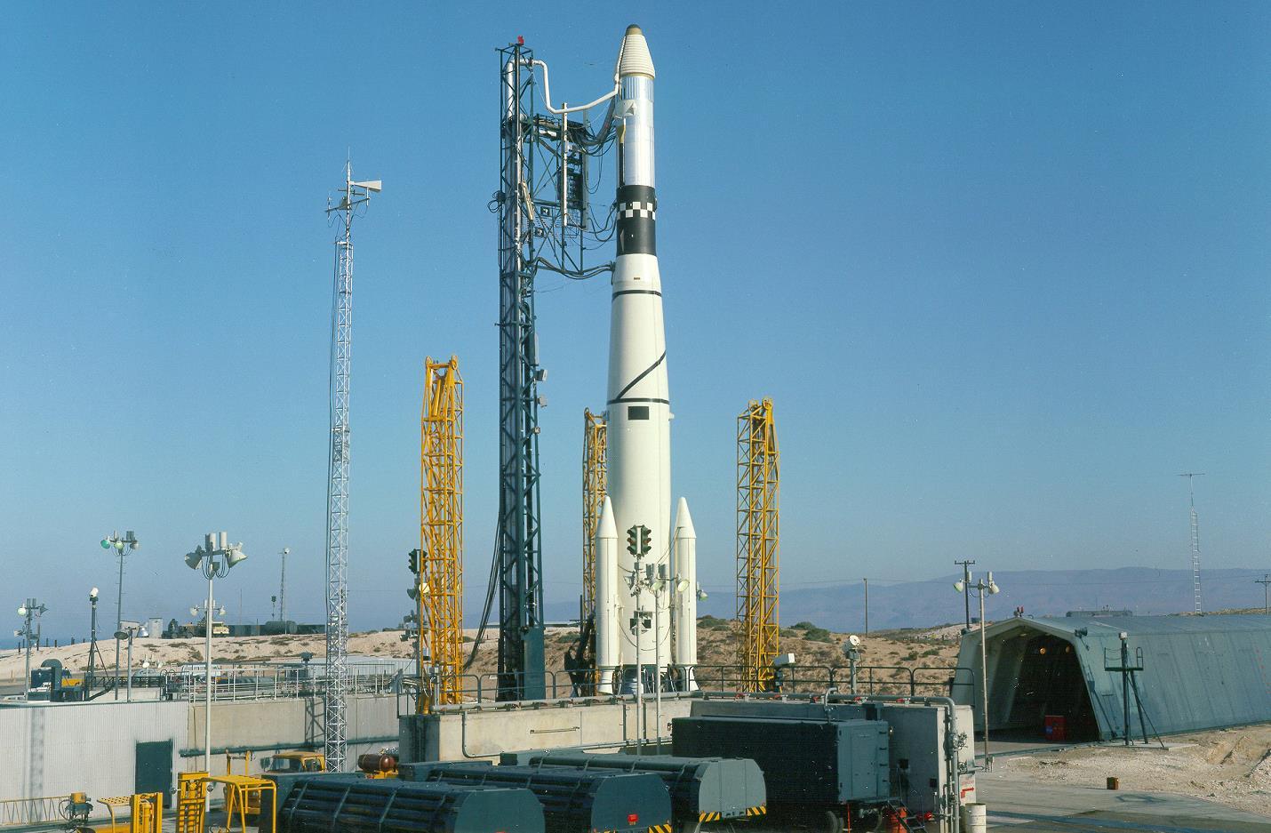 Delta II Prepares For Swansong