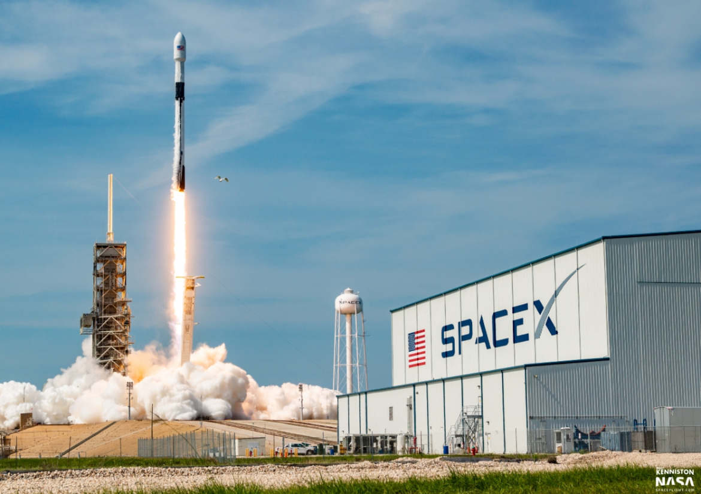 🚀 Por primera vez un cohete SpaceX Falcon 9 no logra aterrizar en tierra firme