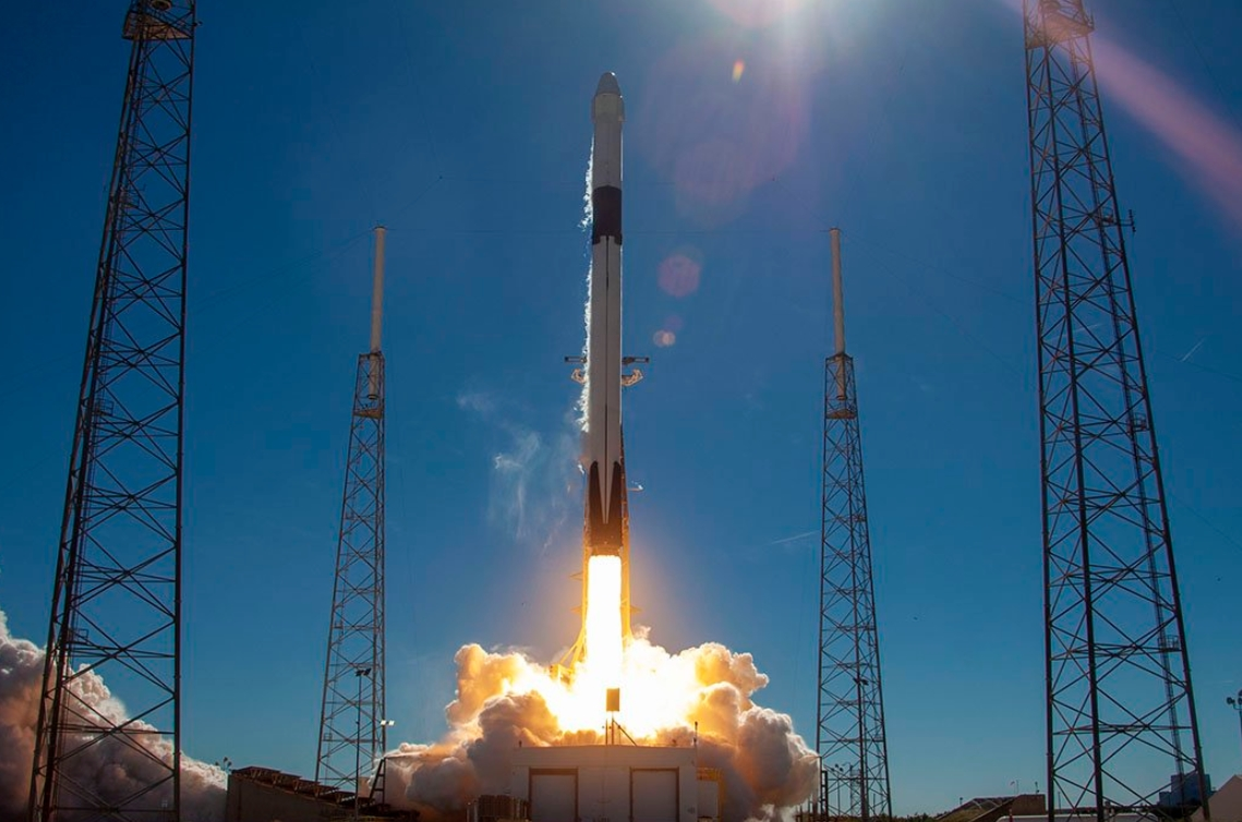 Falcon 9 Successfully Lofts Crs 16 Dragon Enroute To Iss Booster