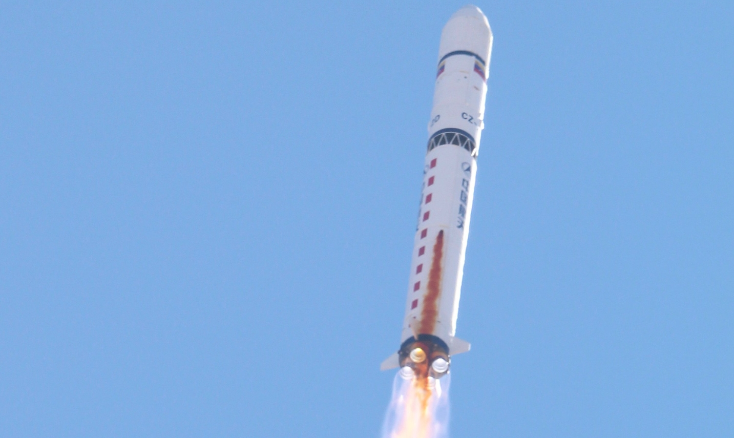 676423ab0ce44 The Long March-2D (LM-2D) launch vehicle is a two-stage rocket developed by  the Shanghai Academy of Spaceflight Technology. With storable propellants  is ...