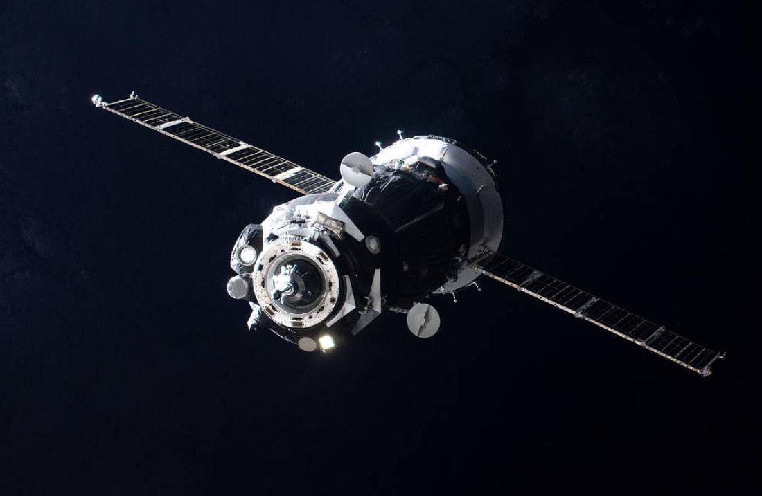 Soyuz-FG on penultimate flight delivers three new