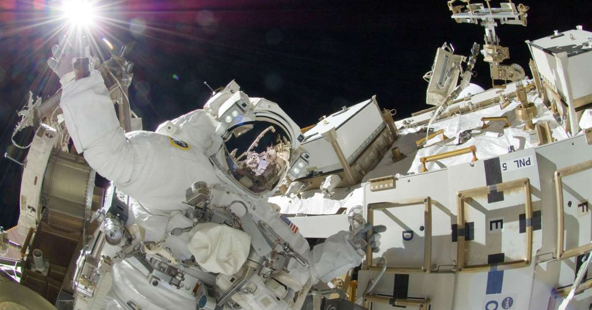 Multi-spacewalk series to replace Station batteries completed