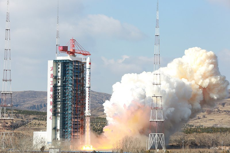 Long March 4B launches Gaofen-7 – tests grid fin system