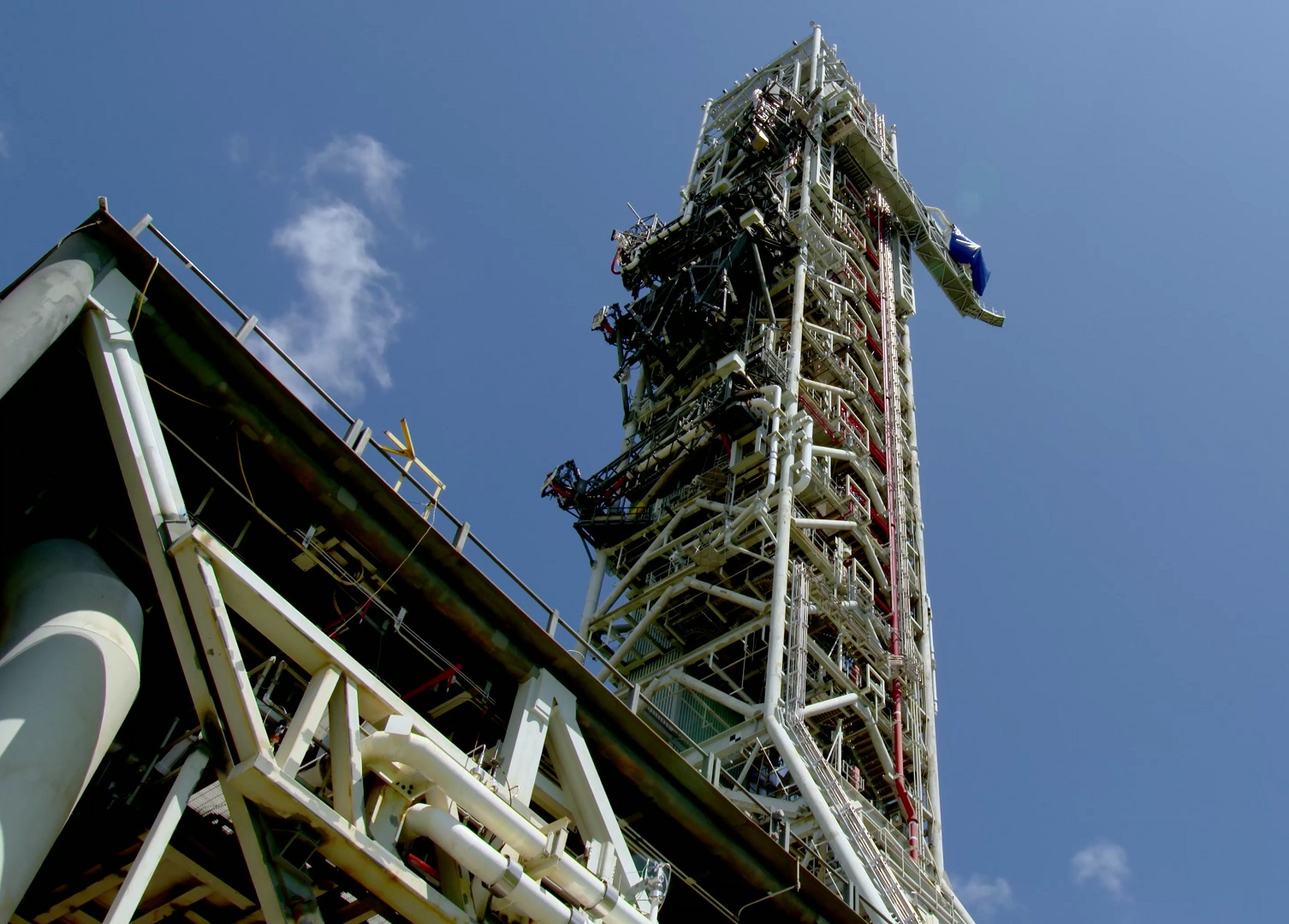 NASA EGS completes first SLS Mobile Launcher fueling tests
