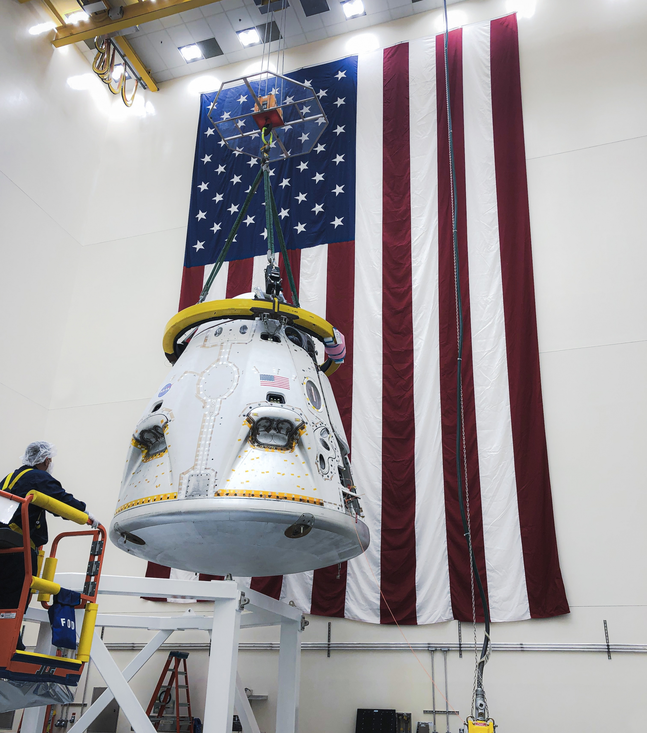 Rough seas delay escape test for SpaceX crew capsule