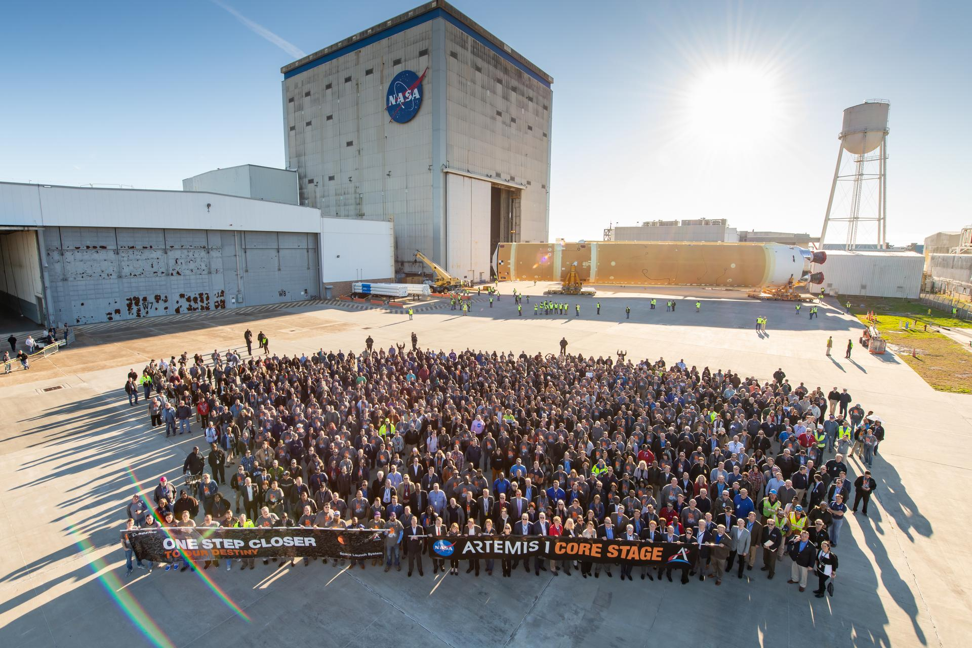 First NASA SLS Core Stage rolls out - Prepares to ship to Stennis - NASASpaceflight.com