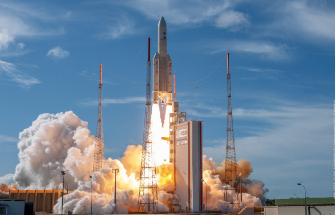 Ariane 5 returns for launch of Mission Extension Vehicle, two communications satellites to orbit - NASASpaceflight.com