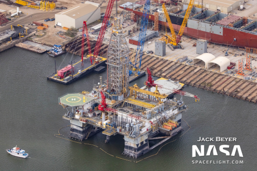 SpaceX acquires former oil rigs to serve as floating Starship spaceports - NASASpaceflight.com