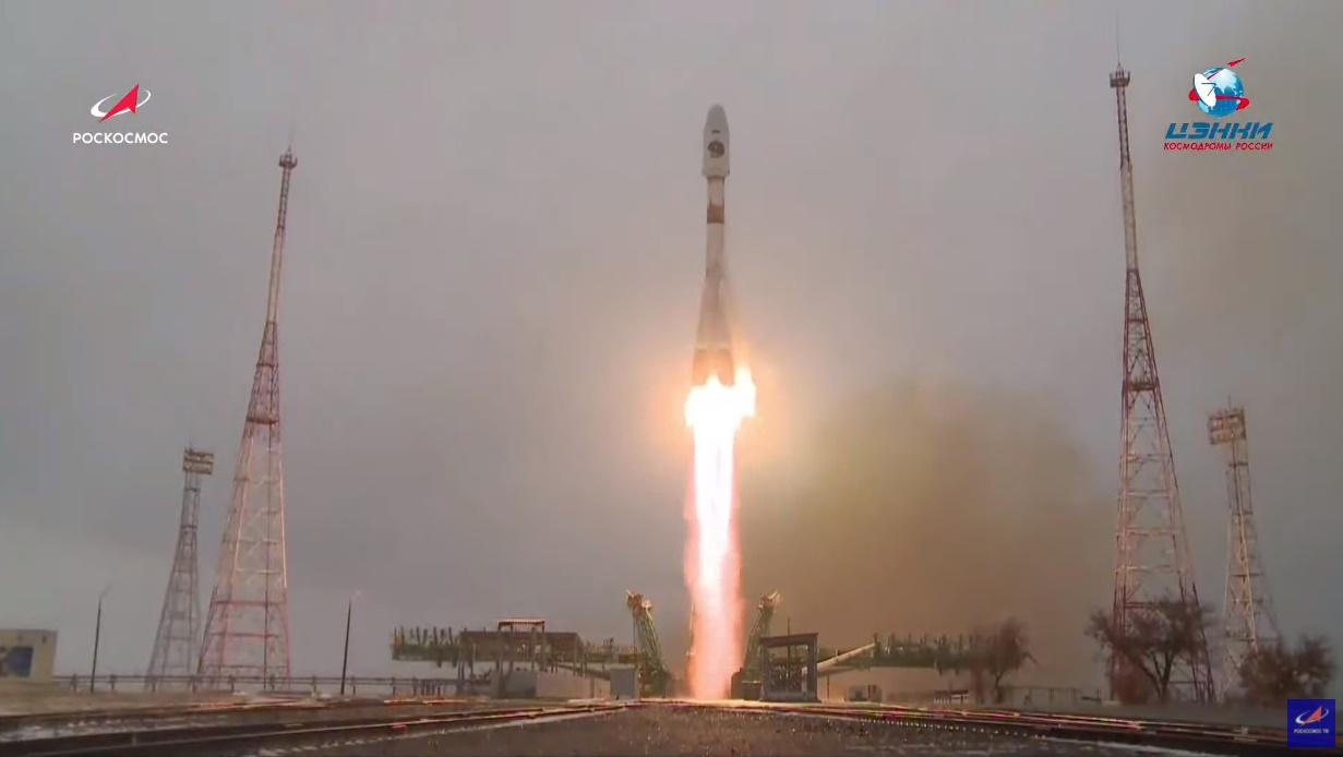 Russia's Soyuz-2-1b launches Arktika-M No.1 weather satellite