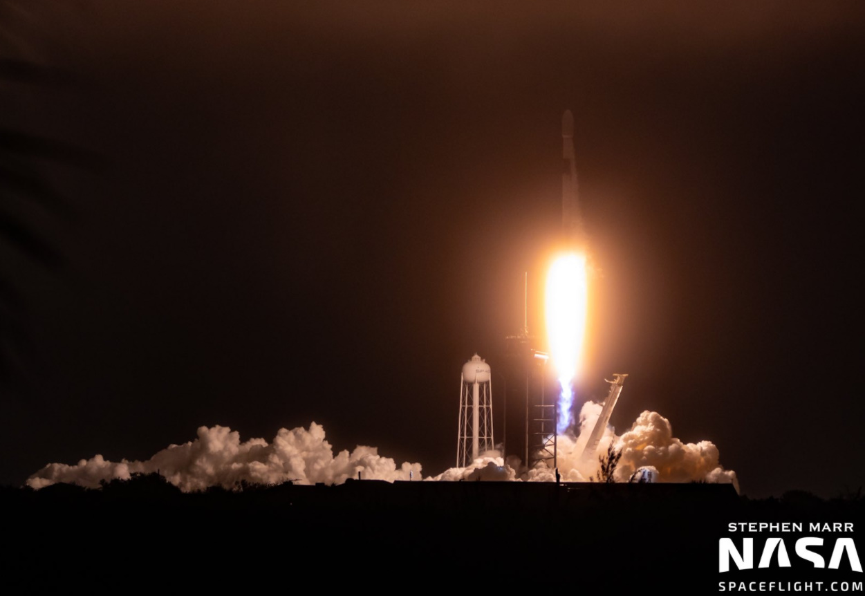 SpaceX successfully launches long-delayed Starlink L-17 mission