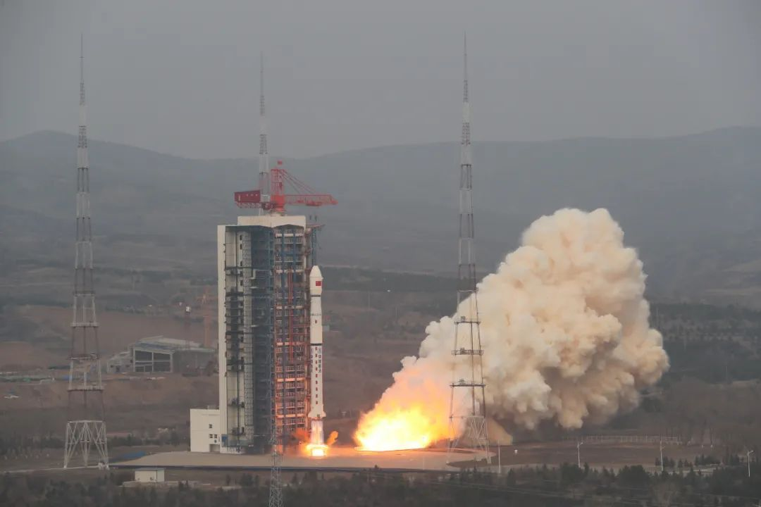 China launches experimental satellite on a Long March 4B